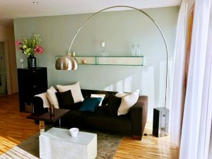 Wohnzimmer in Pastellgrün